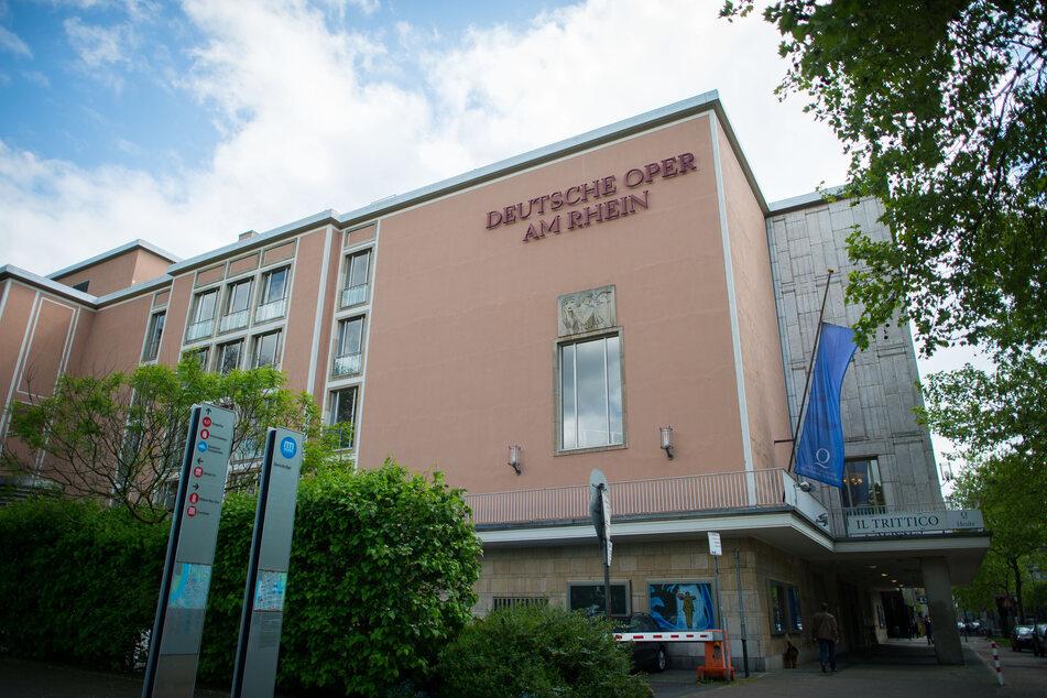 Düsseldorf führt 2G-Regel für städtische Theater und Museen ein