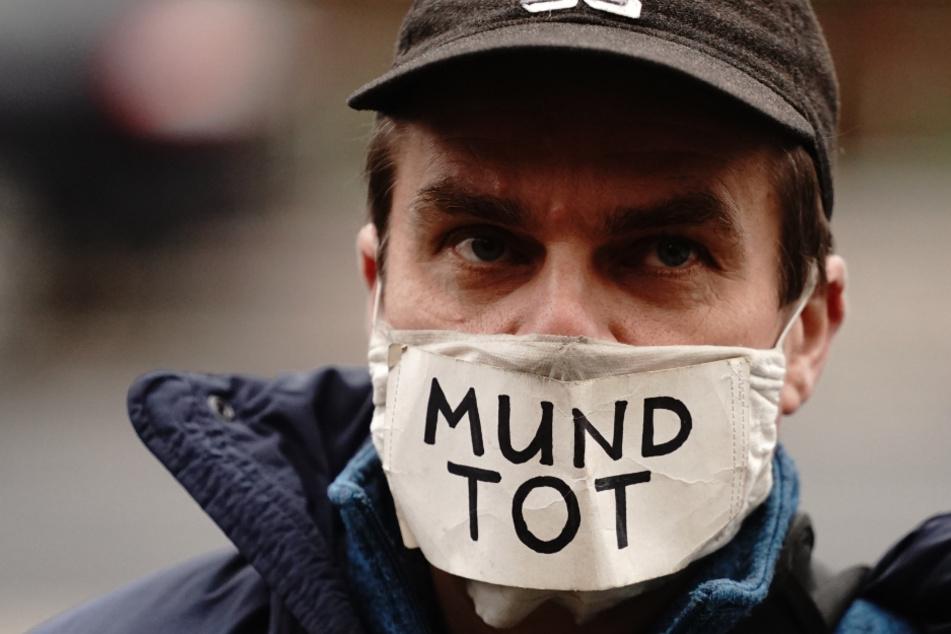 Gericht pocht auf Maskenpflicht bei Demos