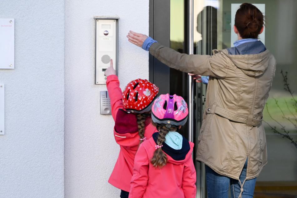 Kitas dicht: Müssen Eltern weiterhin Beiträge zahlen?