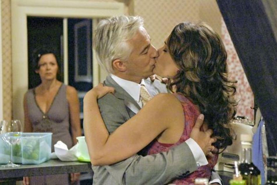 """Zurück auf los ab dem 22. Mai: Die erste Folge von """"Rote Rosen"""" geht wieder on Air...."""