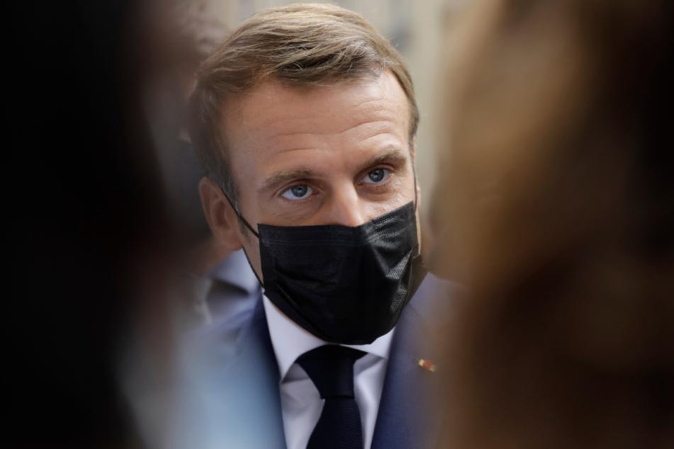 Emmanuel Macron (42).