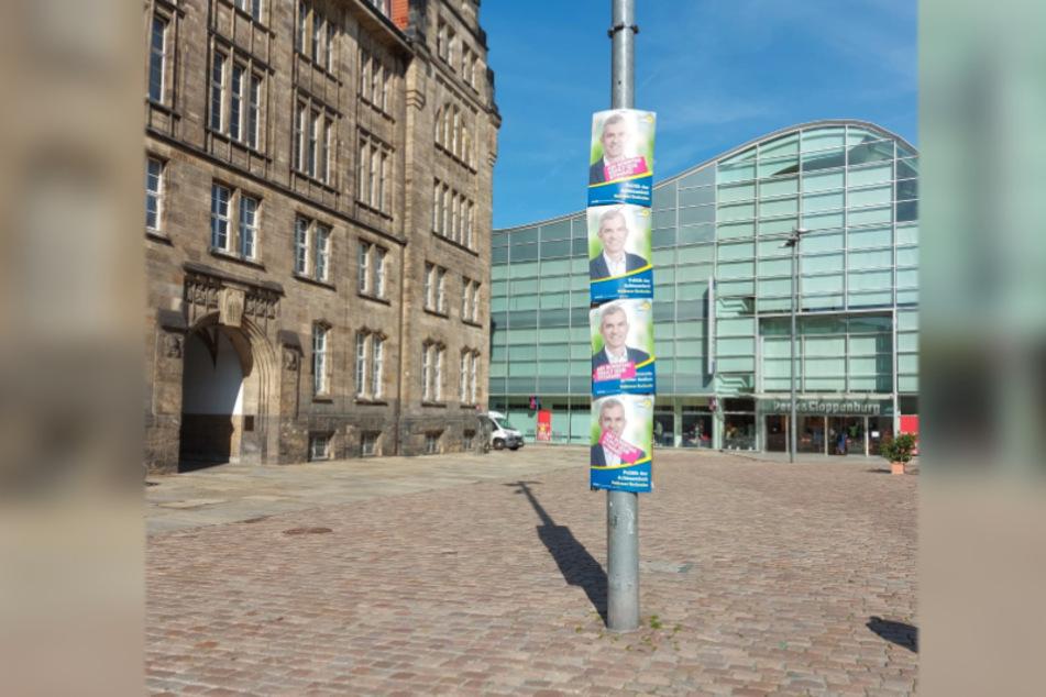 Die Plakate von Volkmar Zschocke (51, Grüne) hingen gestern gleich vierfach auf dem Neumarkt.