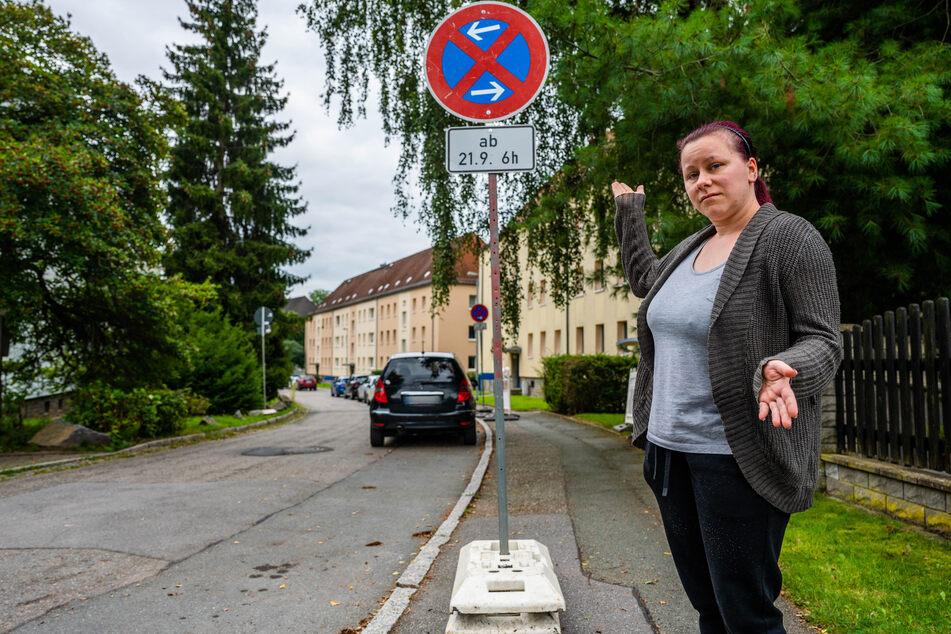 Diese Schilder stehen seit Freitag in der Albrecht-Thaer-Straße - ohne weitere Begründung. Darüber ärgert sich Anwohnerin Juliane Dillner (33).