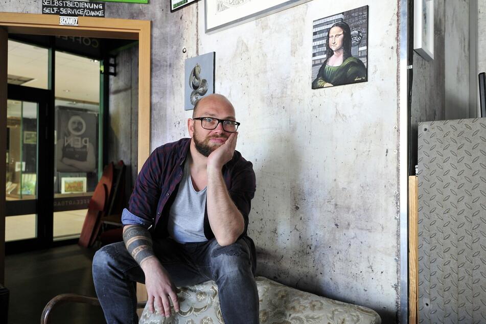 """Volker Beyer (43), der 2020 bereits die Coffee-Art-Bar aufgab, schließt nun auch sein Fotostudio """"DigiArt"""" in der Chemnitzer Innenstadt (Archivbild)."""