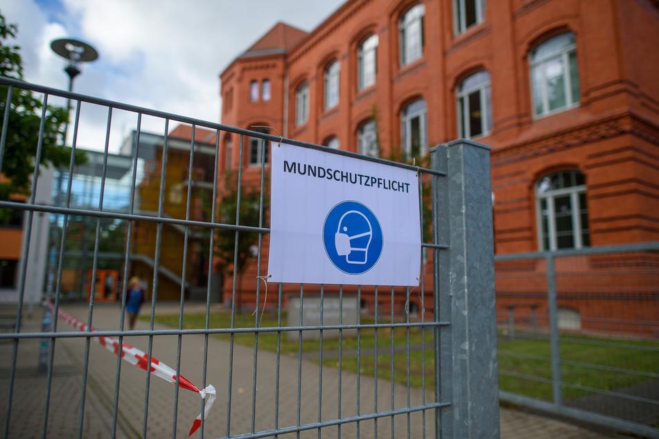 Ab Montag müssen Sachsen-Anhalts Schüler Masken tragen.