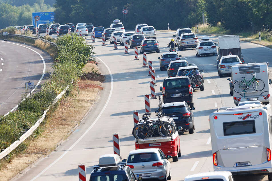 Auf der A1 zwischen Reinfeld und dem Kreuz Lübeck behindert ein Hitzeschaden den Verkehr. (Symbolfoto)