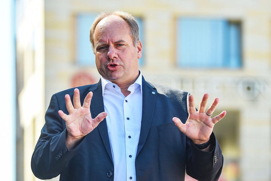 Will mögliche Zusagen nie gemacht haben: OB Dirk Hilbert (48, FDP) auf eine Bürgeranfrage.