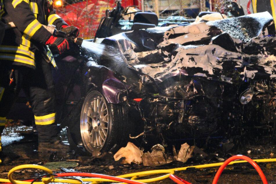 Vier Menschen bei Horror-Unfall verletzt, zwei schweben in Lebensgefahr