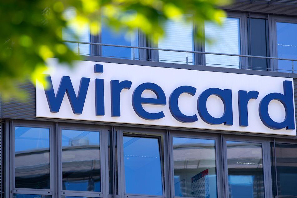 Der Schriftzug von Wirecard ist an der Firmenzentrale des Zahlungsdienstleisters in Aschheim zu sehen.