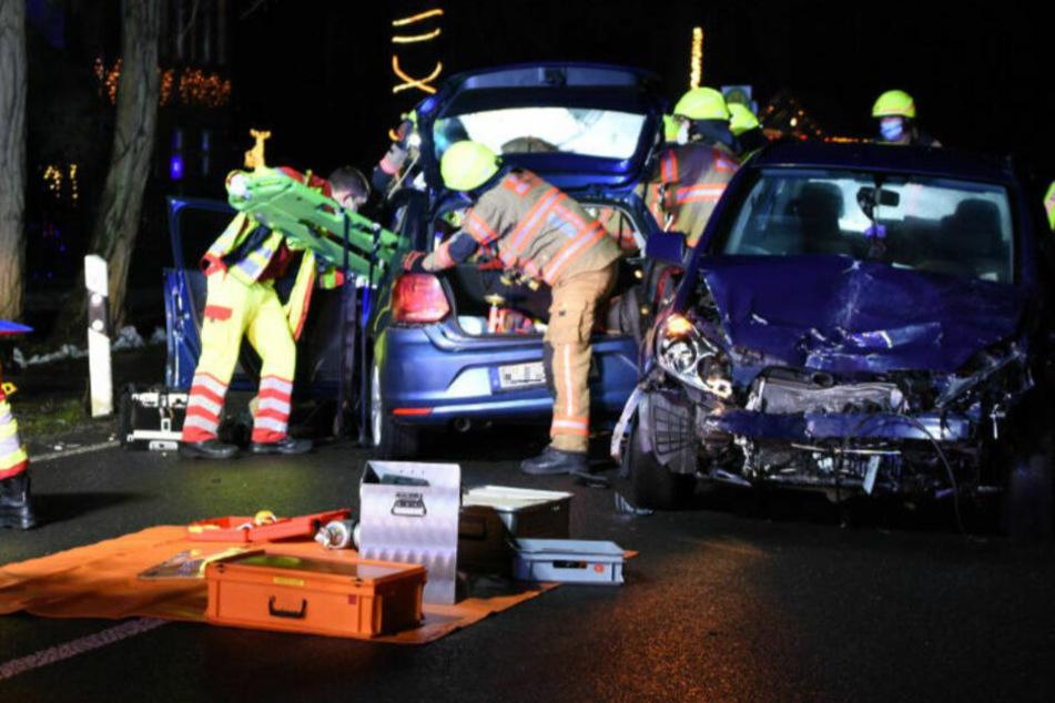 Heftiger Crash bei Wendemanöver: Drei Schwerverletzte!