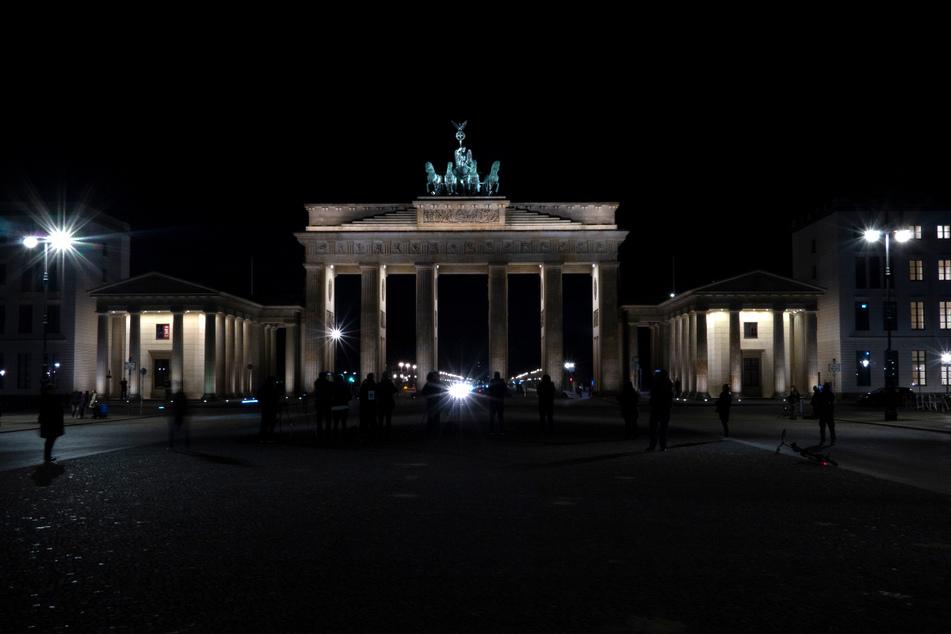 Das Brandenburger Tor während der Earth Hour 2020. Die diesjährige Licht-Aus-Aktion findet am 27. März statt.