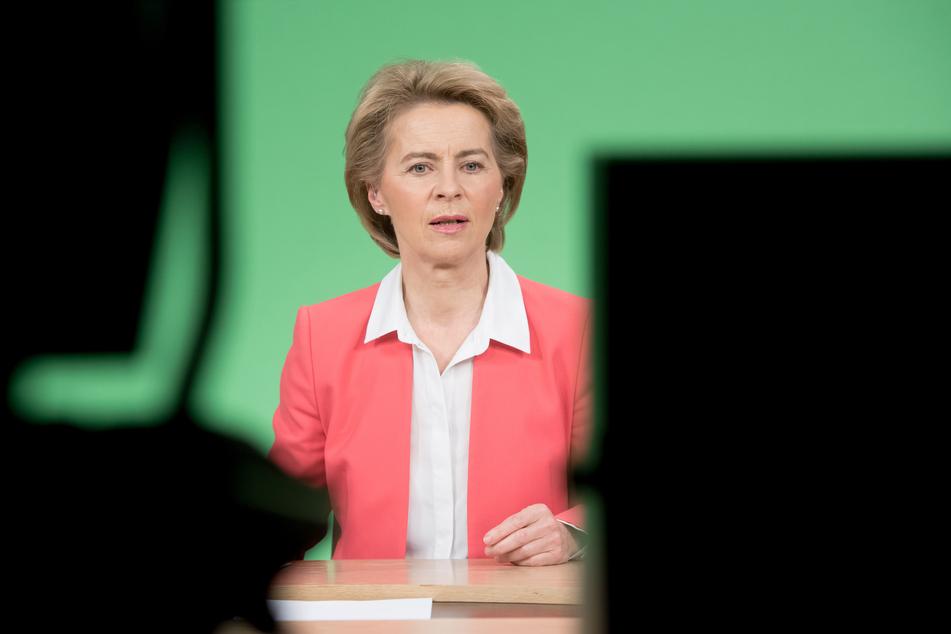 """Ursula von der Leyen, Präsidentin der Europäischen Kommission, spricht zur """"Global-Response-Initiative"""", der Entwicklungsfinanzierung in der Ära von Covid-19 und darüber hinaus."""