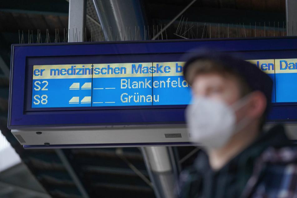 Coronavirus in Berlin: Corona-Ampel bleibt auf Doppel-Rot