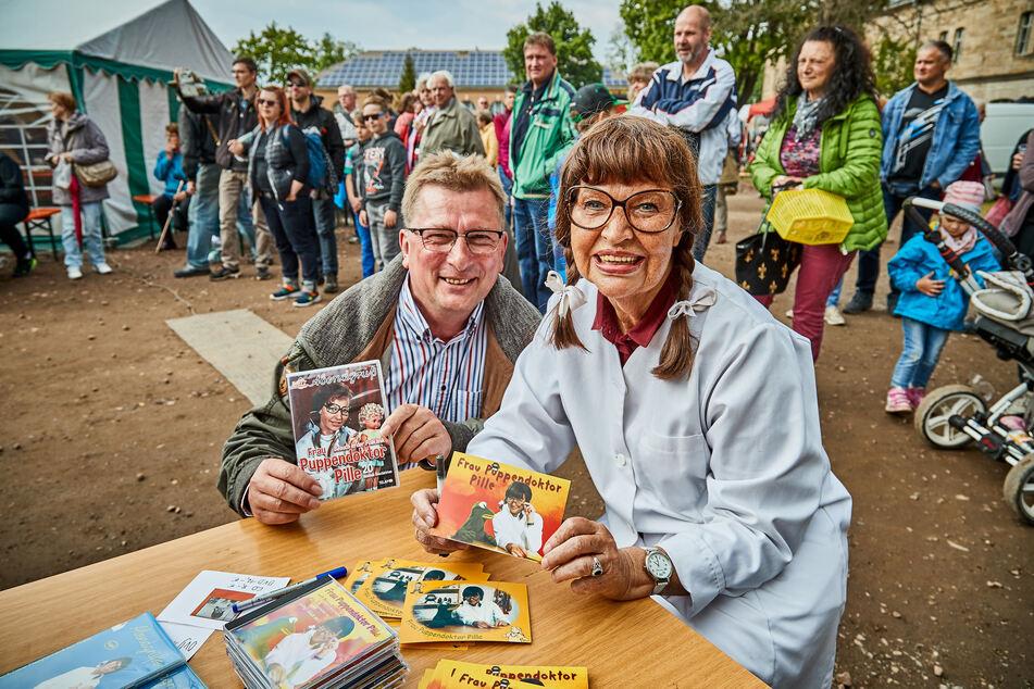 Im vergangenen Jahr unterhielt Frau Puppendoktor Pille im DDR-Museum in Pirna die jüngsten Besucher.