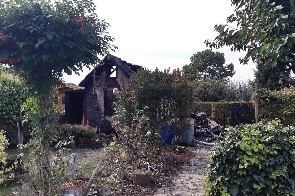 Die Gartenlaube brannte komplett nieder.