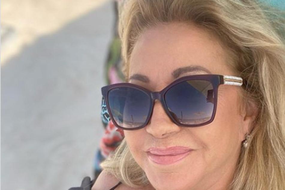 """""""Das wird viele aufregen"""": Carmen Geiss lässt die Seele am Strand baumeln"""