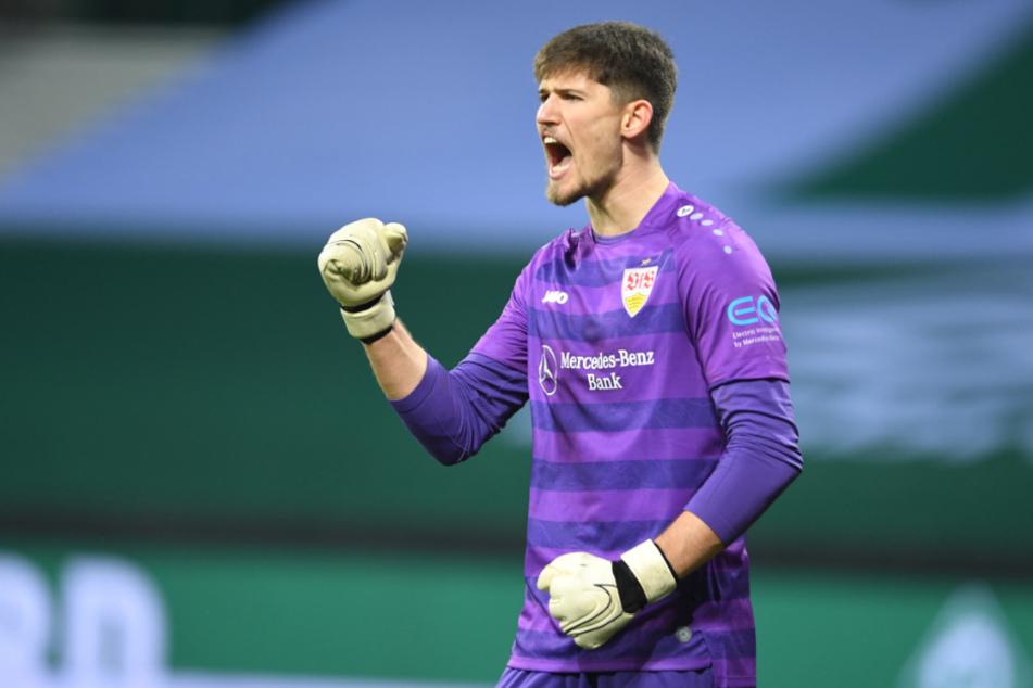 Bremen im Dezember 2020: Stuttgarts Keeper Gregor Kobel (23) jubelt nach einer Abwehr.