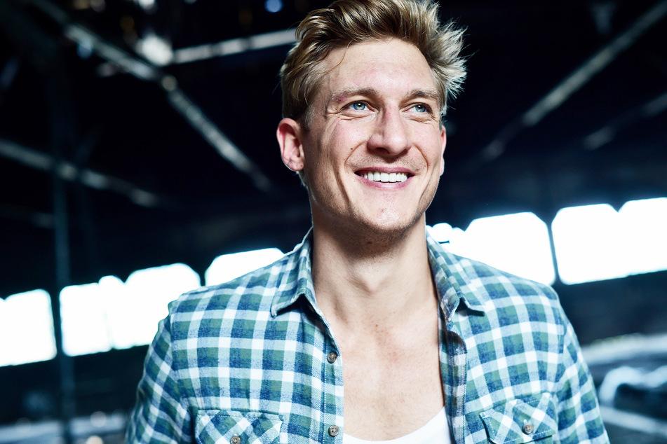 """Der gebürtige Dresdner Martin Walde (33) ist ab heute in seiner neuen Rolle als """"Finn"""" in der Neuauflage von """"Verbotene Liebe"""" zu sehen."""