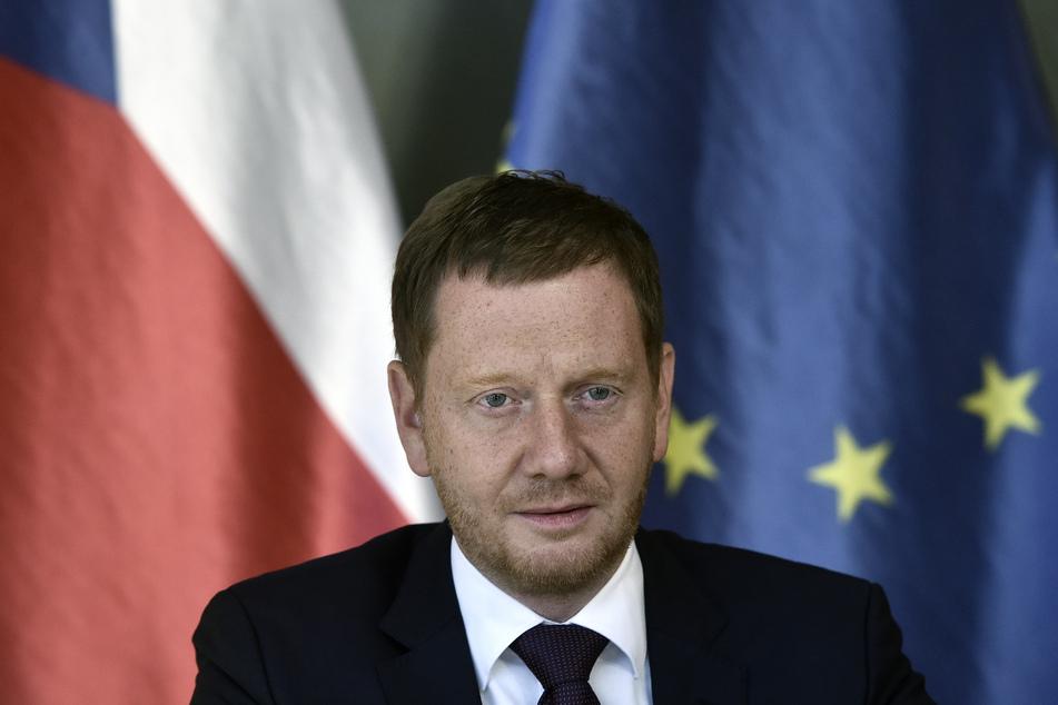 """Laut Michael Kretschmer (45, CDU) kann man die Grenze zwischen Sachsen und Tschechien """"nicht radikal schließen""""."""