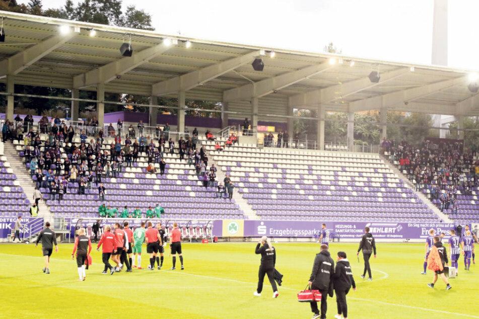 Nur 500 Zuschauer werden am Sonntag beim Heimspiel gegen Heidenheim im Erzgebirgsstadion dabei sein.