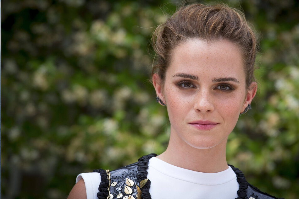 Emma Watson spotted with shiny new jewelry – does she have some big news?