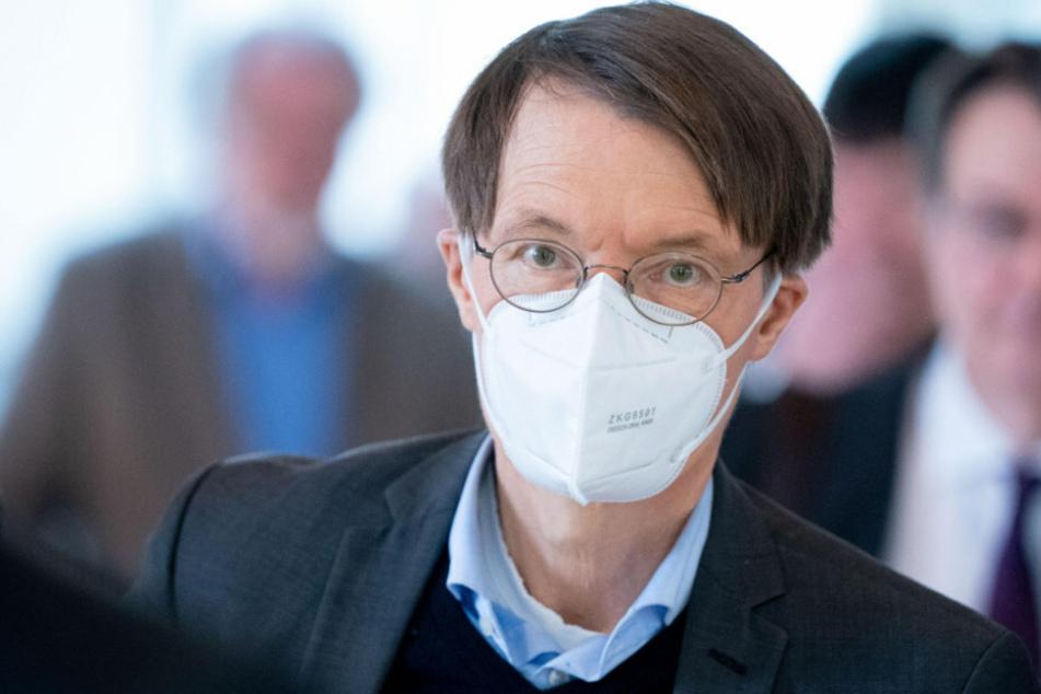 Karl Lauterbach (SPD) geht weiter von steigenden Infektionszahlen aus.