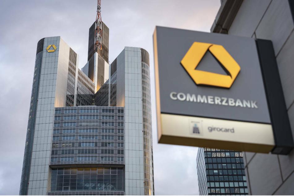 Commerzbank macht noch in diesem Jahr 240 Filialen dicht, 7500 Jobs fallen bis 2024 weg