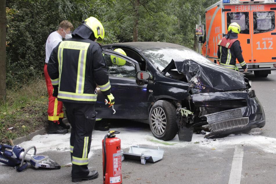Fiat-Fahrerin kommt von der Straße ab und landet im Krankenhaus