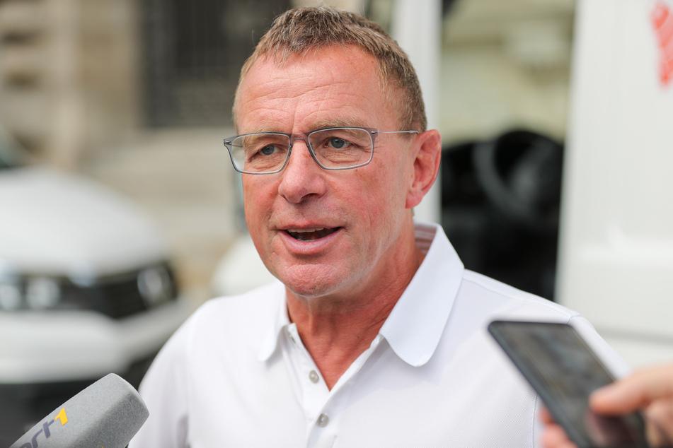 """... Ralf Rangnick (62) als """"strategisch richtigen Mann"""" für die Nachfolge als Bundestrainer. Gleichzeitig schießt er gegen DFB-Direktor Oliver Bierhoff (52)."""
