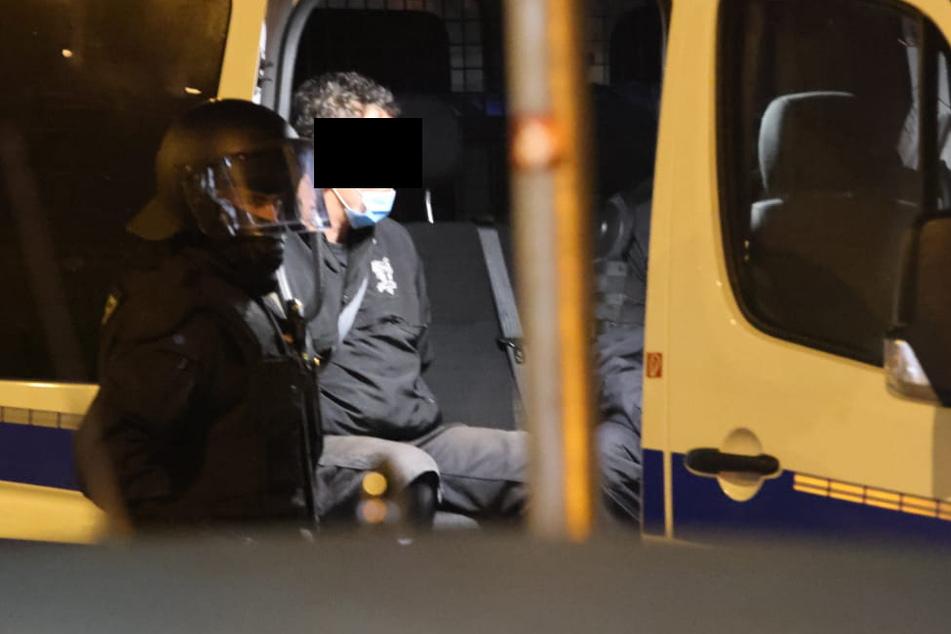 Leipzig: Schon wieder! Polizeiposten und Streifenwagen in Leipzig-Connewitz attackiert