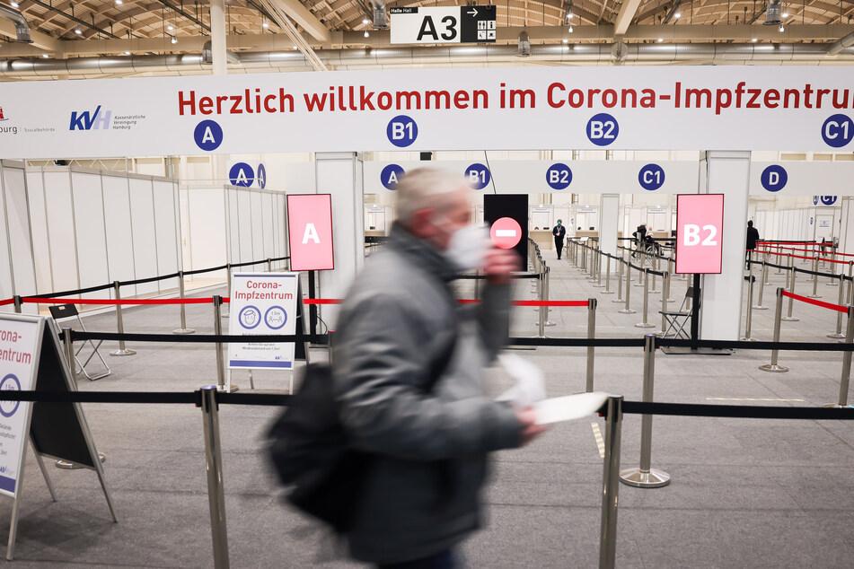 Das Impfzentrum in den Messehallen: Die Millionenmarke für Erstimpfungen hat Hamburg bereits geknackt.