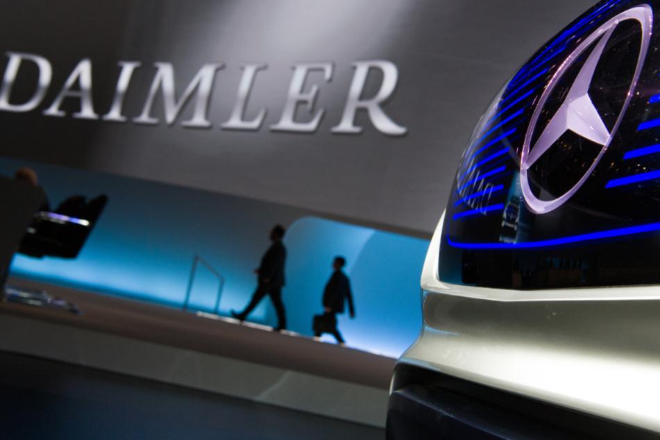 Die Pandemie trifft nun auch den Autobauer Daimler.