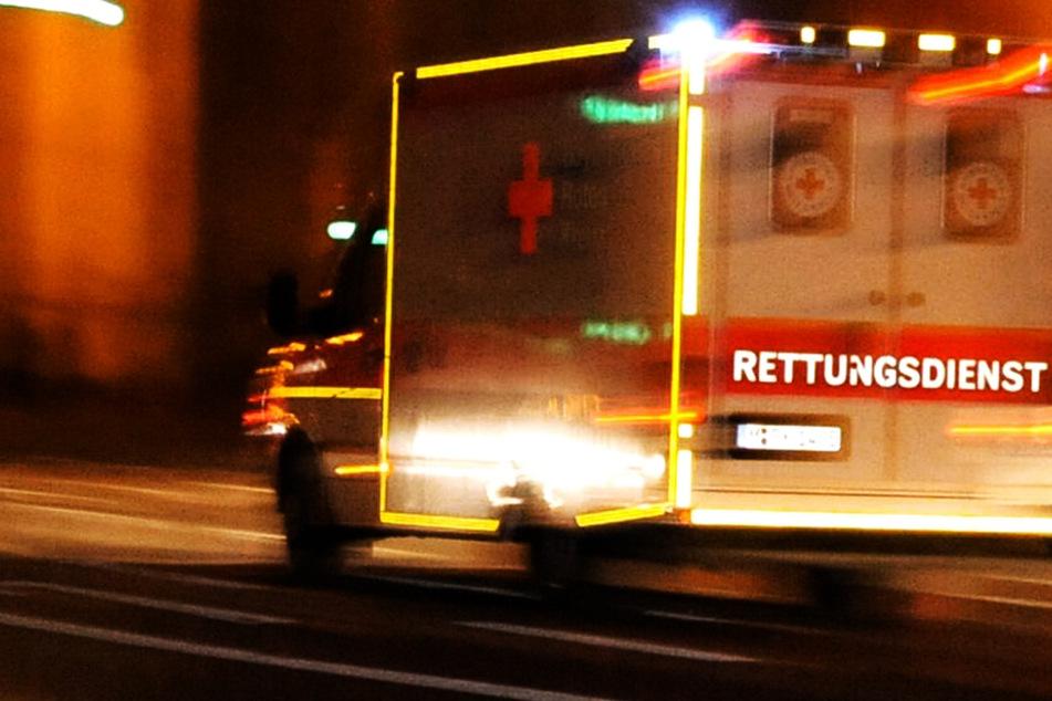 Horror-Unfall: BMW 25 Meter durch die Luft geschleudert! Zwei Menschen sterben in Wrack