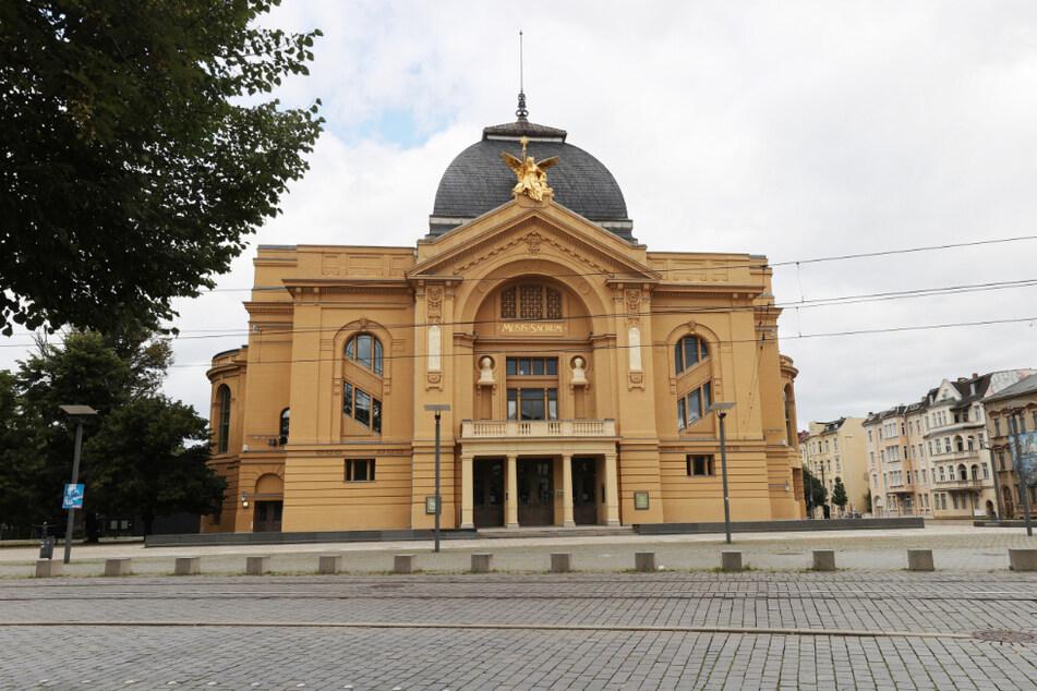Blick auf das Große Schauspielhaus des Theaters Altenburg-Gera. Auch hier bleiben die Sitze weiterhin leer.