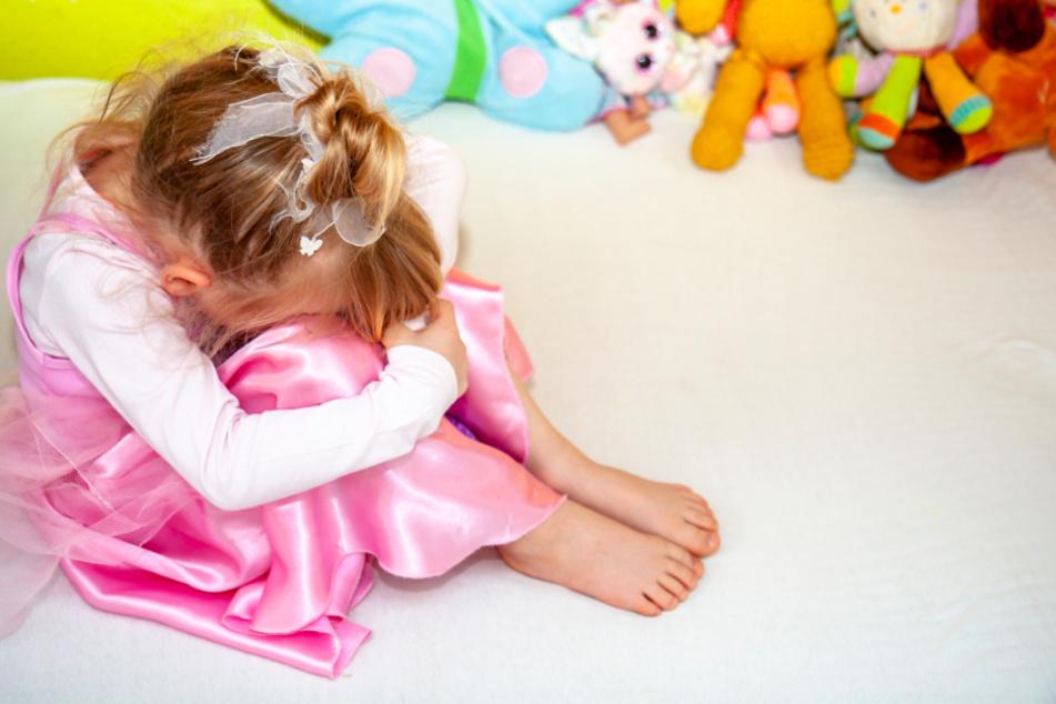 Eine Kita-Erzieherin soll das dreijährige Mädchen umgebracht haben. (Symbolbild)