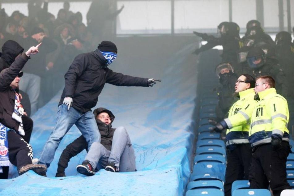 Randale bei Dynamo-Spiel: Hansa-Fan muss in den Knast