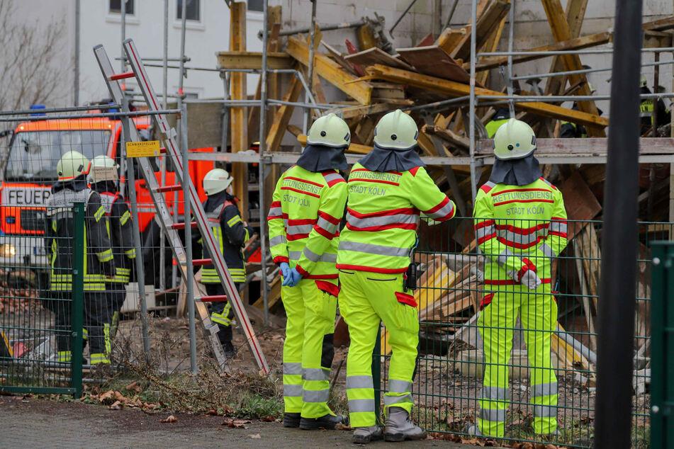 Köln: Baugerüst stürzt ein: Kölner Arbeiter eingeklemmt und lebensgefährlich verletzt