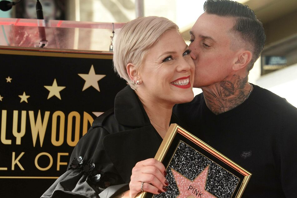 Carey Hart (45) and Pink (41) are celebrating their 15th wedding anniversary after quite a few ups and downs.