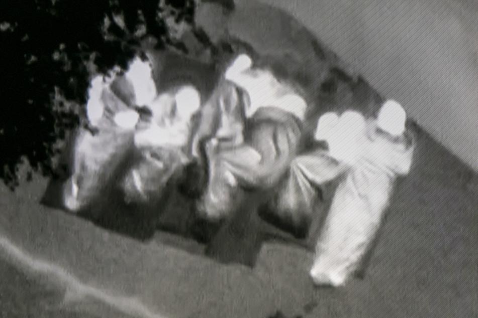 Diese Boofer hatten keine Ahnung, dass sie vom Hubschrauber aus beobachtet wurden. Aber: kein Feuer, kein Ärger.
