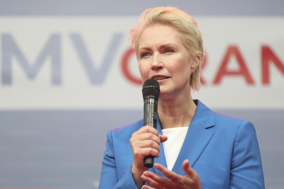 Manuela Schwesig (47, SPD) tritt an, um ihr Amt als Ministerpräsidentin von Mecklenburg-Vorpommern zu verteidigen.