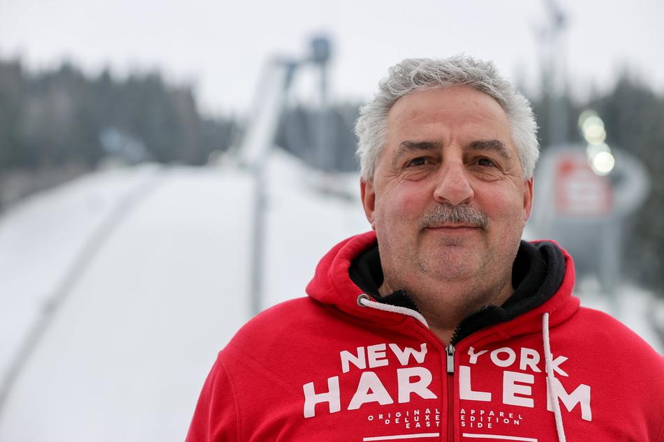 Manfred Deckert (noch 59) lenkt seit 2008 als Oberbürgermeister die Geschicke von Auerbach im Vogtland.