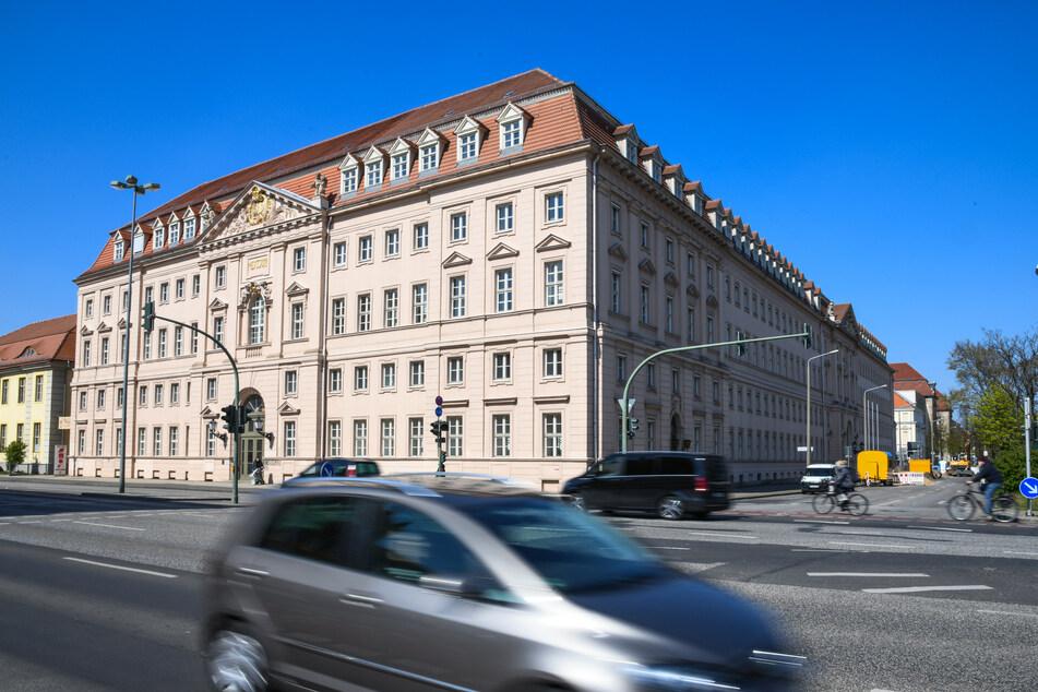 Am Montag demonstrieren deutschlandweit Studierende für finanzielle Hilfe in der Corona-Krise - auch vor dem Potsdamer Wissenschaftsministerium.