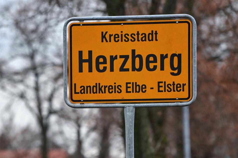 Im Brandenburger Landkreis Elbe-Elster ist die Zahl der Corona-Neuinfektionen pro 100.000 Einwohner innerhalb einer Woche über den kritischen Wert von 200 gestiegen. (Symbolfoto)