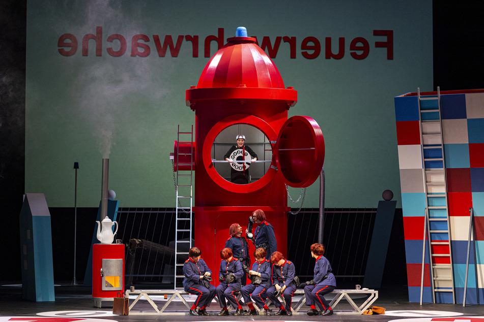 """Die Kinderoper """"Bei der Feuerwehr wird der Kaffee kalt"""", kann ab Karfreitag auch online angeschaut werden."""