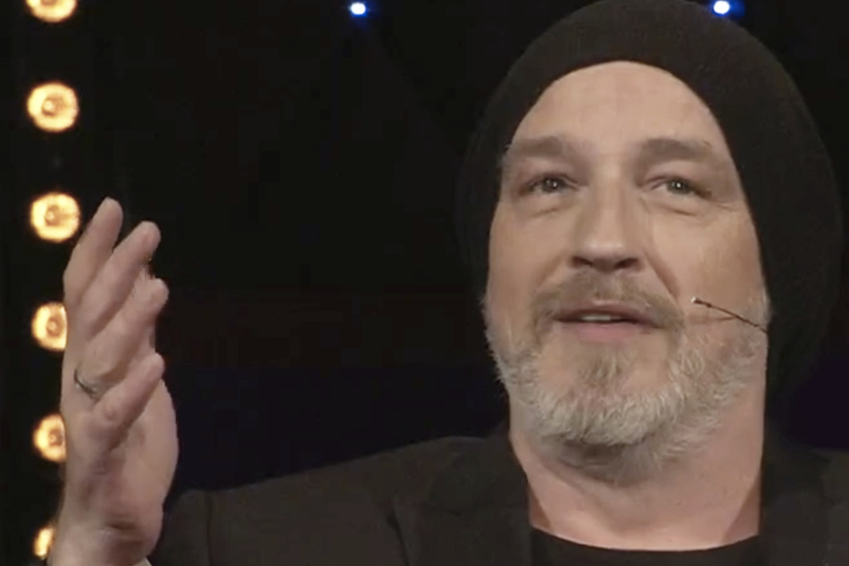 "Riverboat: Torsten Sträter hat kurioses Corona-Hobby: ""Ich bastele gerne Latex-Masken!"""
