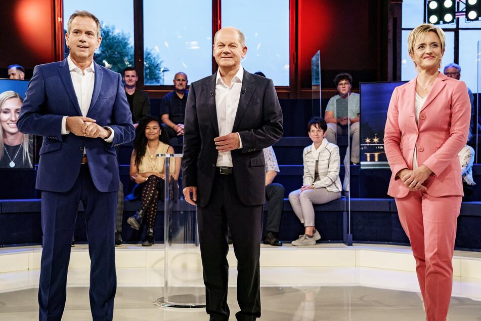 Moderiert wurde die ARD-Wahlarena von Andreas Cichowicz und Ellen Ehni.