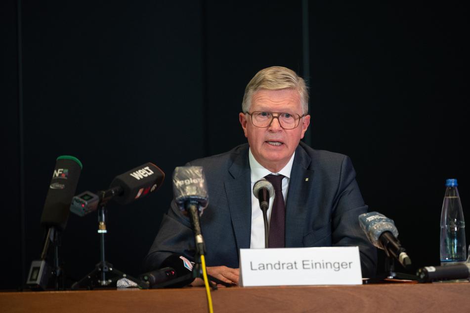 Esslingens Landrat Heinz Eininger am Donnerstag während der Pressekonferenz.