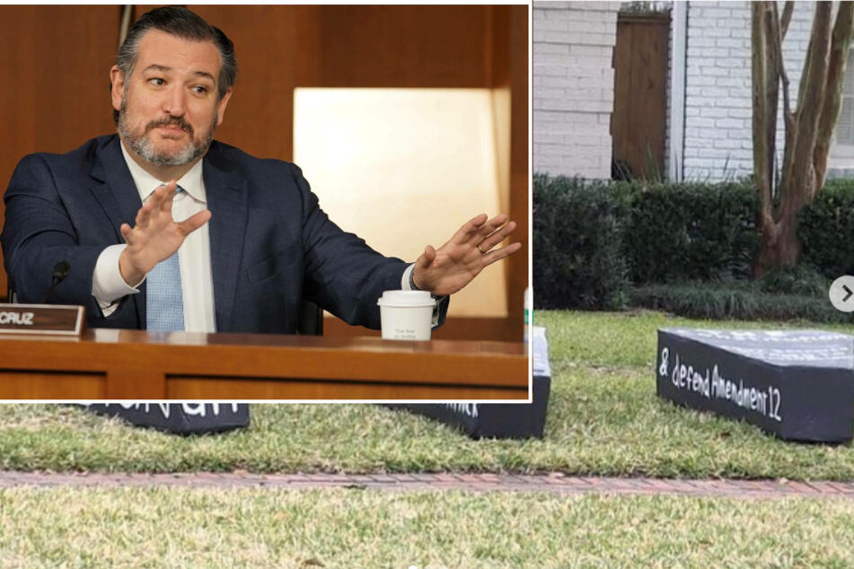 Ted Cruz is getting messages from beyond the grave on his front lawn