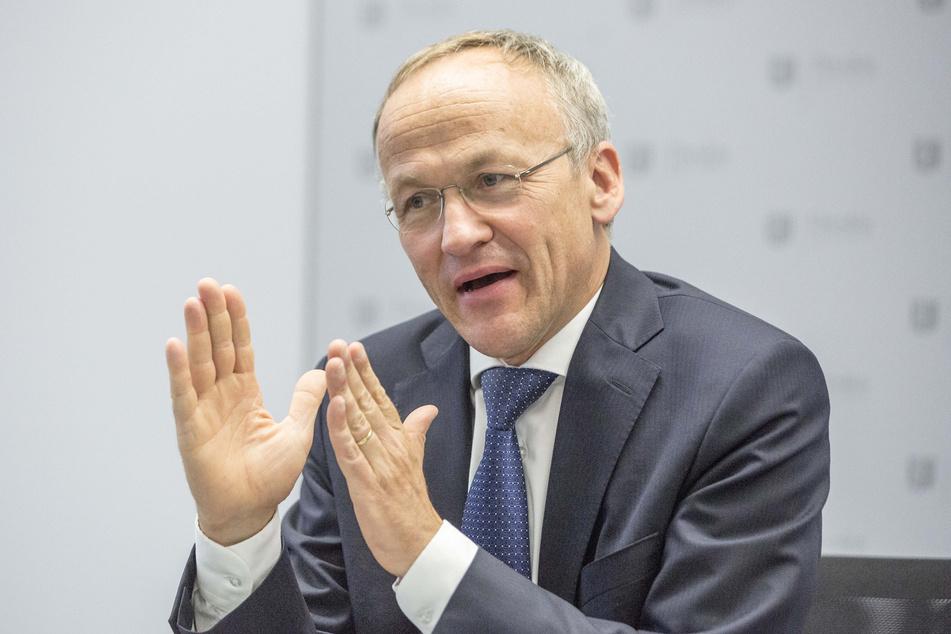 Finanz- und Sportbürgermeister Peter Lames (56, SPD) soll auf der nächsten Mitgliederversammlung von Dynamo sprechen, fordert die Petition.