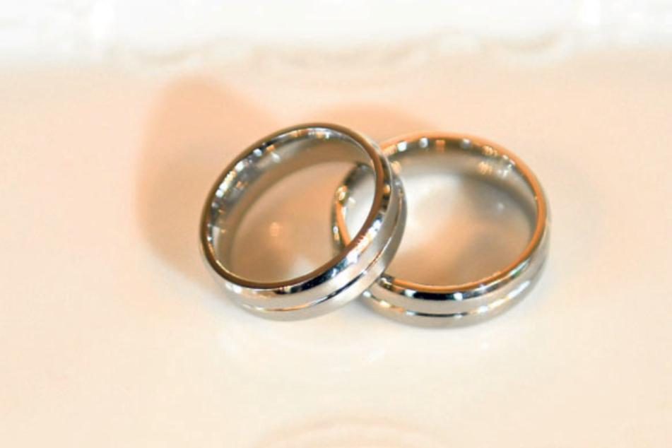 Diese Ringe warten auf Daniela und Piotr Pazera.